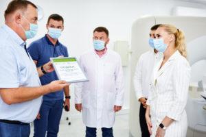 відкриття медичного центру